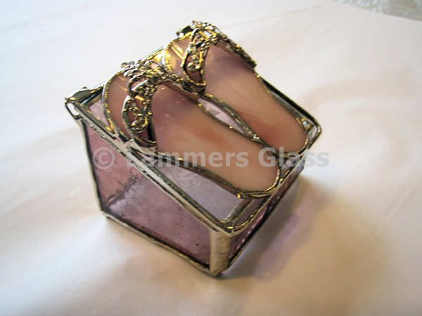 6576726a552e79 Pink Flip Flops Stained Glass Box